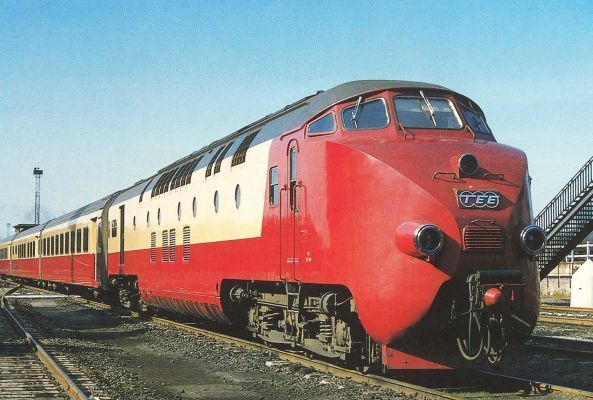 TEE train Amsterdam-Zürich, Werkspoor, 1957, out of service 1977. Motorwagon was designed by a woman, Elsebeth van Blerkom (NL).