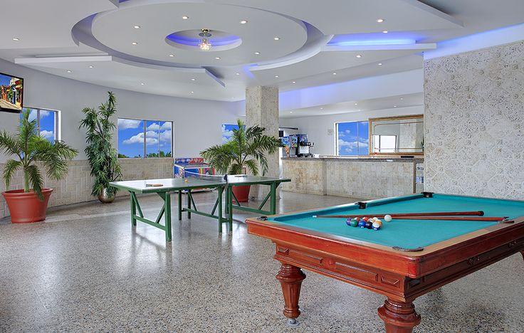 Salón de juegos en la piscina Hotel Cartagena Plaza