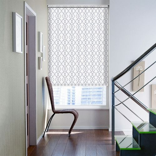 Roller blind with a modern print in a white and grey colour.