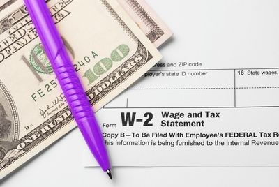 The Best Free Online Tax Filing Options for 2015 by Carrie Smith for GoGirl Finance