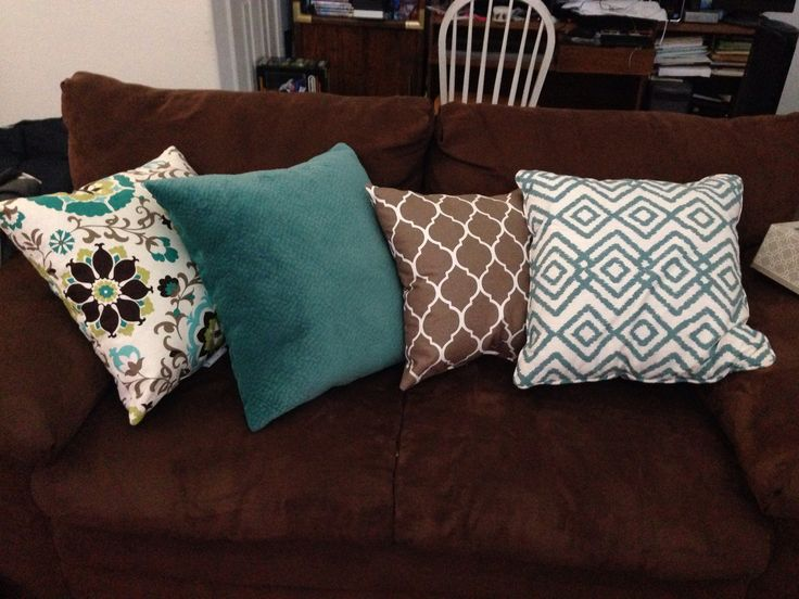 Found at Ana's Linens.. I wanted to do a teal accent.. Used this color scheme for dark brown/chocolate couch. Love it!