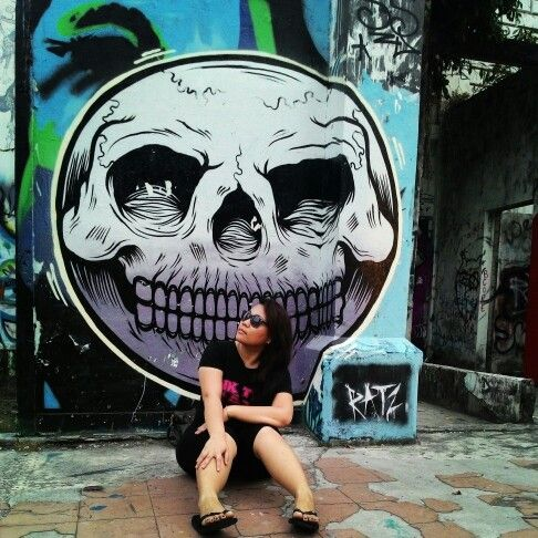 #Grafitti #arts in the middle of the city , i guess its an abandon building , in front of Suria KK shopping mall , #sabah #malaysia #ilovebeach #solotraveler #travel #beachgirl #beach