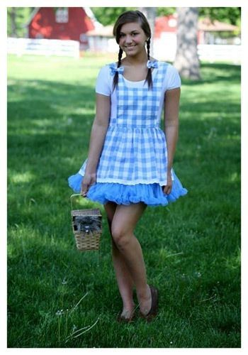 This teen Kansas Girl tutu costume is a fun dance inspired costume for any event. Get this charming look for an updated twist on a popular storybook character.