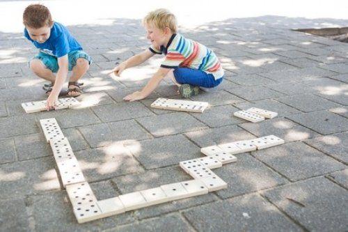 Μεγάλο ντόμινο εξωτερικού χώρου/ Large outdoors domino