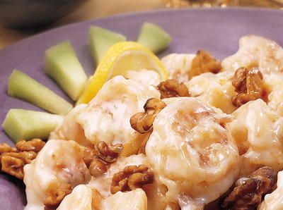This is a popular dish made in Hong Kong, where chefs often use mayonnaise in banquet dishes. You may omit the walnuts if you prefer.