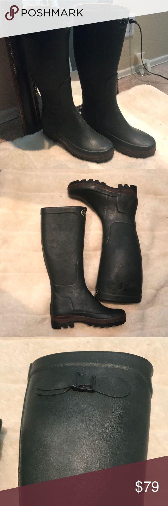 Le Chameau Army Green Rain Boots Le Chameau army green rain boots. The royals are know to wear this brand! Never worn. Le Chameau Shoes Winter & Rain Boots