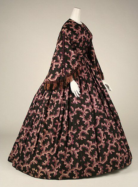 Coral Week: Silk dress, American, circa 1860. Via the @metmuseum #coral #ForceOfNature