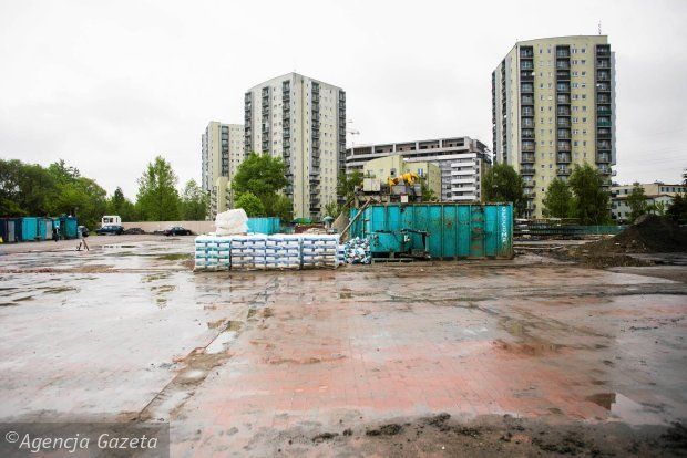Zdjęcie numer 13 w galerii - Budują blok przy Mogilskiej, a obok hipermarket Lidl [ZDJĘCIA]