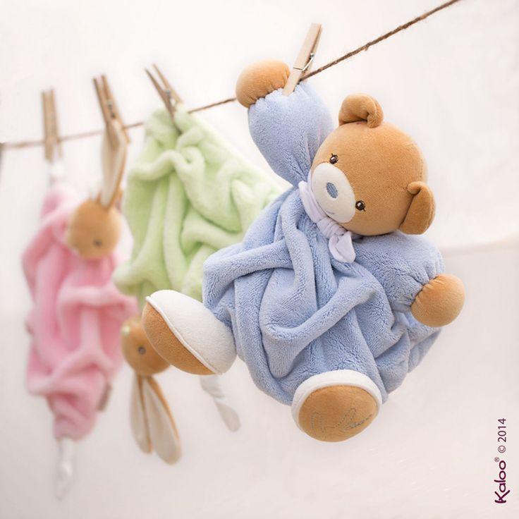 Medvídci z krásné jemné kolekce Plume mohou být už zítra u vás doma. Jejich obrovskou výhodou je, že se dají vyprat v pračce na 30 stupních. http://goo.gl/SrktUh