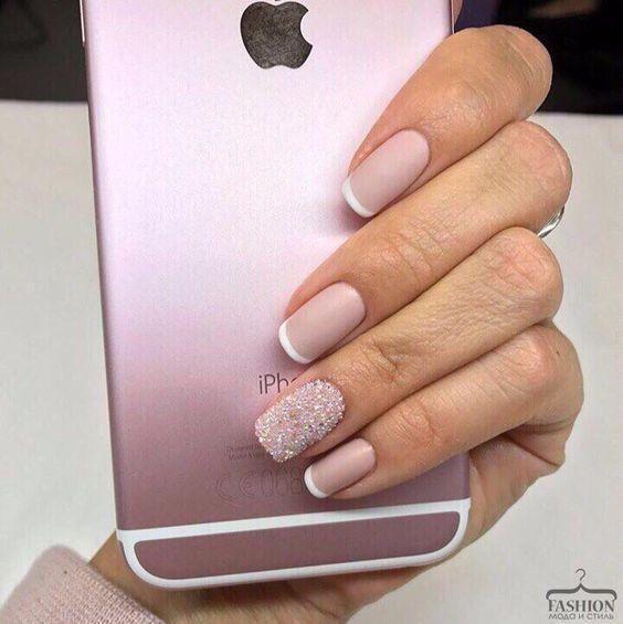 Minimal Nail Art Design