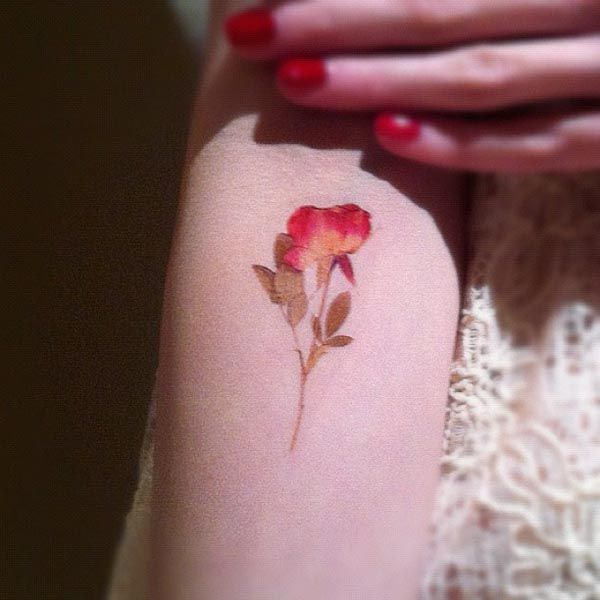 Natural floral tattoo Pressed flowers could easily stick to your skin with just a bit of vaseline
