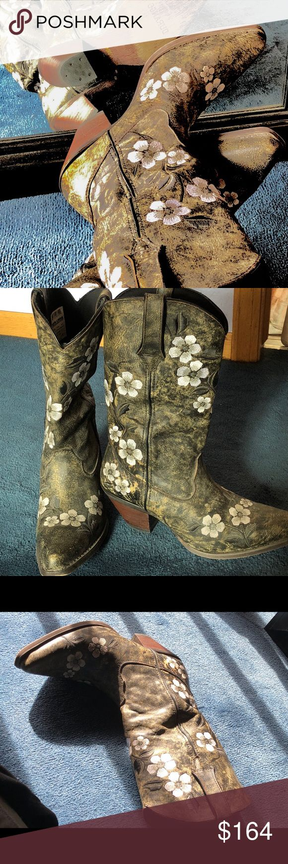 ‼️Cool, unique, DURANGO LEATHER BOOTS FLORAL INSET ‼️DURANGO AMAZING, EYE CATCHING JUST  A COOL PAIR OF BOOTS YOU WILL GET STOPPED & asked about or complimented. The shaft is leather with a unique color combo of marbled brown, sliver, black & grey. I wore one time & played up the silver in the boot with accessories. They are a 7/5 & true to size. A padded comfy foot bed heel is about 2.45 the toe is more of a square toe VS pointed  or round  I prefer square which is my look in boots. I wear…