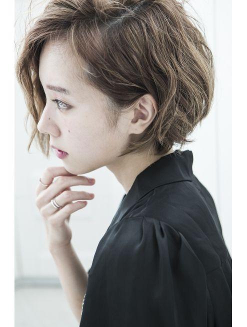 ミエルヘアー 新宿エスト3号店(miel hair)【miel hair 新宿3号店】耳かけ前下がりショートボブ