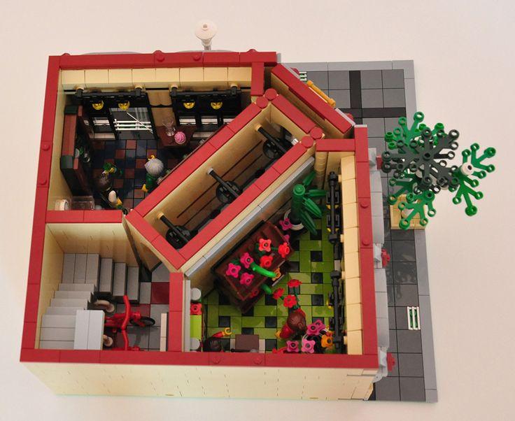 LEGO® MOC: Modular Wine and Flower Shop