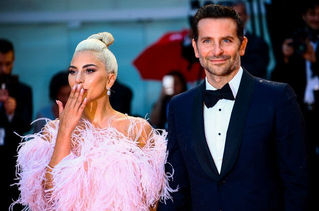 Lady Gaga And Bradley Cooper Held Hands On The A Star Is Born Premiere Red Carpet Lady Gaga Bradley Cooper A Star Is Born