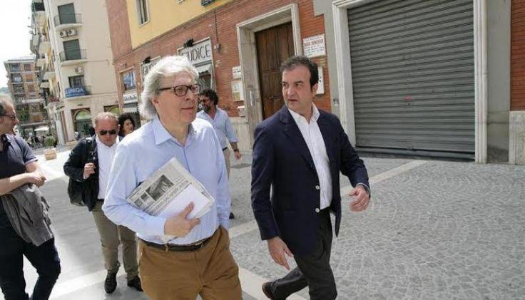 Sgarbi-Cosenza, l'amore è già finito: lo storico dell'arte si dimette da assessore   Il Quotidiano del Sud