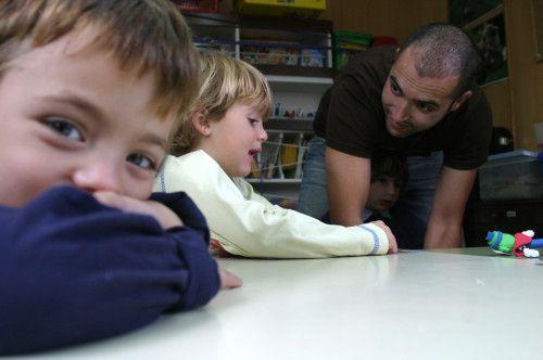 10-trucos-para-enamorar-tus-alumnos  http://justificaturespuesta.com/10-trucos-para-enamorar-tus-alumnos/