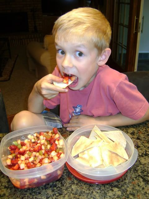 Looking for a delicious clean eating dessert? Fruit salsa is good-for-you and YUMMY! Print LClean Eating Fruit Salsa  Ingredients Fruit Salsa with Cinnamon Chips 2 kiwis, peeled and diced 2 Golden Delicious apples, peeled, cored and diced 8 ounces raspberries 1 pound strawberries, hulled and sliced 1 tablespoon brown or raw sugar 3 tablespoons …