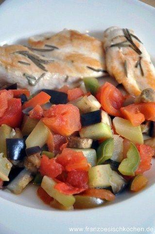 """Die französische Küche ist bekannt für ihre vielfältigen Gemüsebeilagen. Eine der bekanntesten ist """" la ratatouille"""" ( wie der Film), gesund und vitaminreich. Sie kommt aus den Provence. was brauchen wir:  200 gr Zucchini, 200 gr Auberginen, 3 Tomaten, 1 Paprika, 1 Zwiebel und 1 Knoblauchzeh, Thymian, Rosmarin, Salz, Pfeffer, Olivenöl. 1- Das ganze Gemüse klein schneiden (etwa 1 cm breit) , und 3 EL Olivenöl in einer Pfanne erhitzen.  2- Wenn die Pfanne heiss ist, die Zwiebel, Zucchini und…"""