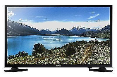 "Samsung 32"" 720p LED TV with 2HDMI / 1USB Port & 60Hz Refresh Rate UN32J4000"