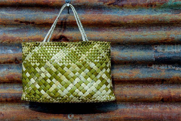 Basket Weaving New Zealand : Kete from harakeke green by birgit moffatt flax