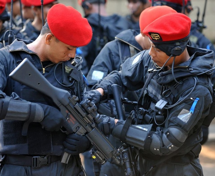 Indonesian army's special forces (Kopassus), prepare for the opening ceremony of a joint anti-terror drill at the national police special operations force headquarters