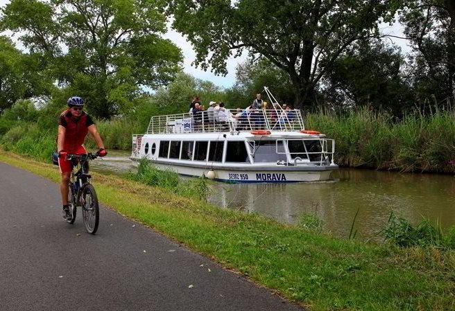 Kudy z nudy - Cyklostezka okolo Baťova kanálu