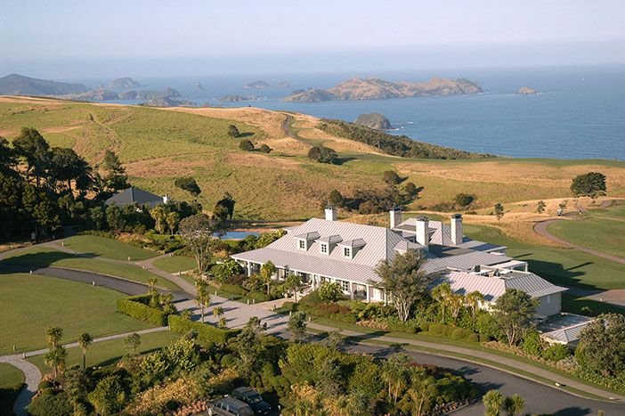 Relais & Chateaux - The Lodge at Kauri Cliffs. Kerikeri (Northland), New Zealand. Set on 6,000 acres near Matauri Bay, Northland, The Lodge at Kauri Cliffs offers spectacular 180 degree views of the Pacific Ocean, and overlooks a championship golf course. The beautiful panoramic view encompasses Cape Brett, and the Cavalli Islands.  #relaischateaux #newzealand