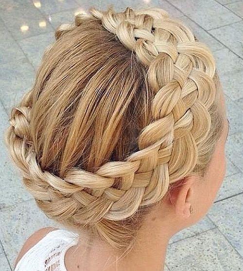 fonott frizurák - koronafonás