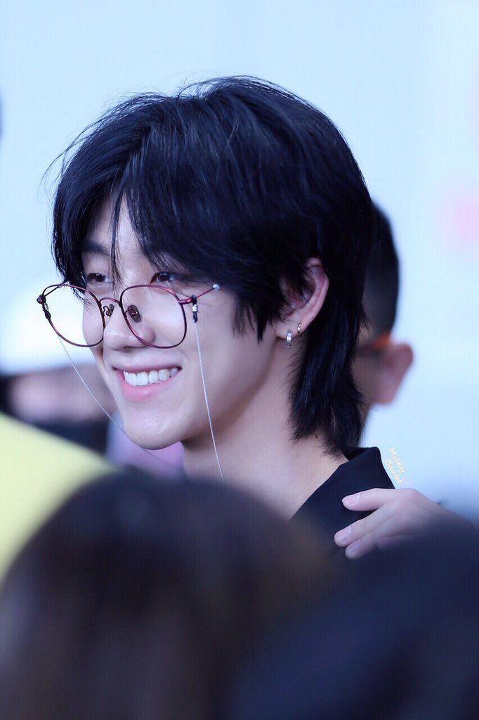 Hun u look beautiful   Seventeen the8, Seventeen minghao