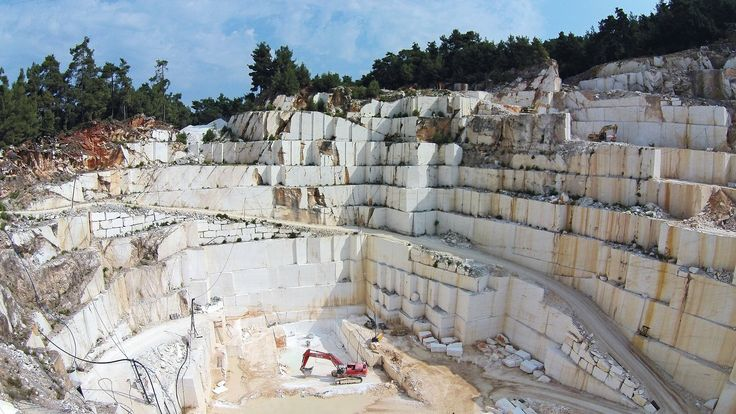The Thassos Snow White quarry is located on the island of Thassos, in Northern Greece. It produces Thassos Snow White and a rare variant of unique appearance which is the Thassos Golden Raddix marble.   To learn more about the marble click here: https://www.stonegroup.gr/portfolio-item/thassos-golden-radix-2/  #stonegroupinternational #stonegroup #marble #thassosgoldenraddixmarble #thassosgoldenraddix #greece #white #whitemarble #gold #design #stone #love #architecture #inspiration #quarry