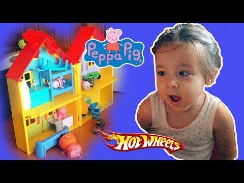 Peppa Pig Toys in English Peppa and George play at home
