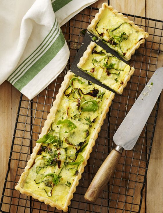 Creamy courgette and pea quiche