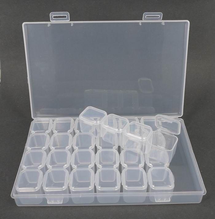 Supersmarte æsker: http://amazy.dk/plastaesker-til-opbevaring/6233-aeske-med-28-sma-seperate-rum.html