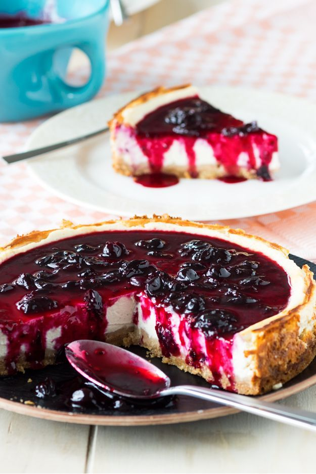 Surprise the fam with this Cheesecake made with cottage cheese and Greek yogurt. It's much higher in protein than a classic cheesecake, but you'll never be able to taste the difference. Serve it with black currant jam for a beautiful sweet tang!