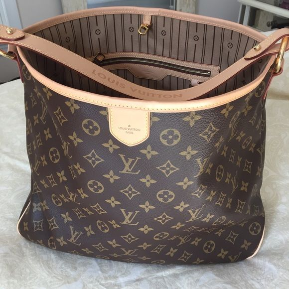 Louis Vuitton Delightful MM Mint condition. Carried twice. Original dust bag, box and bow. Not trading. Serious inquiries only! Louis Vuitton Bags Shoulder Bags