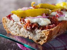broodje  met rode pesto en mozzarella