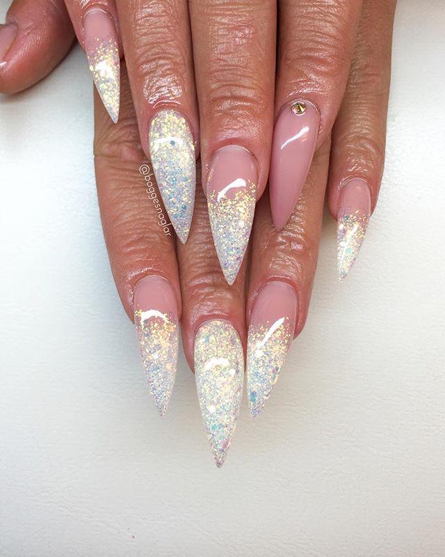 Nina Bagge @baggesnaglar Spetsiga naglar i...Instagram photo   Websta (Webstagram)