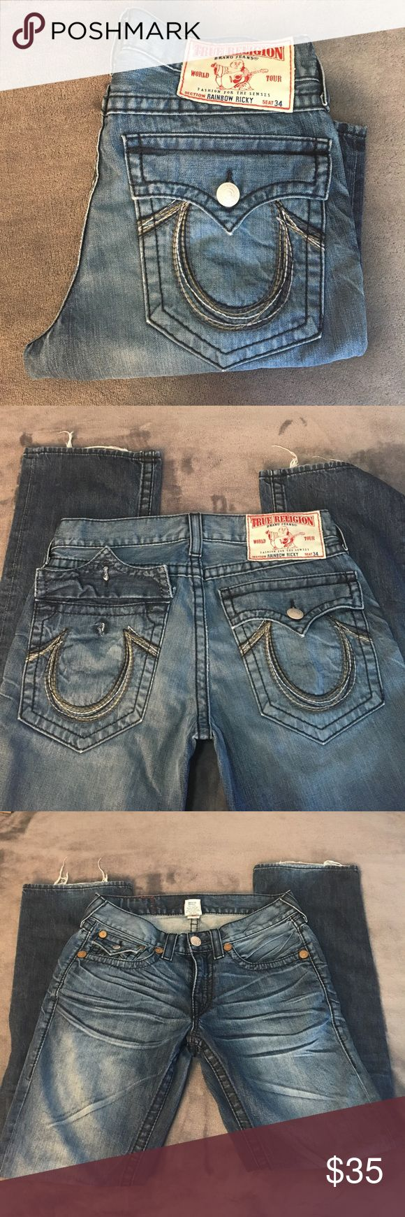 Men's True Religion jeans. Size 32 Great jeans but they do show some signs of wear: One button on back pocket is missing and some wear on the hems. Inseam is 34 inches. True Religion Jeans Relaxed
