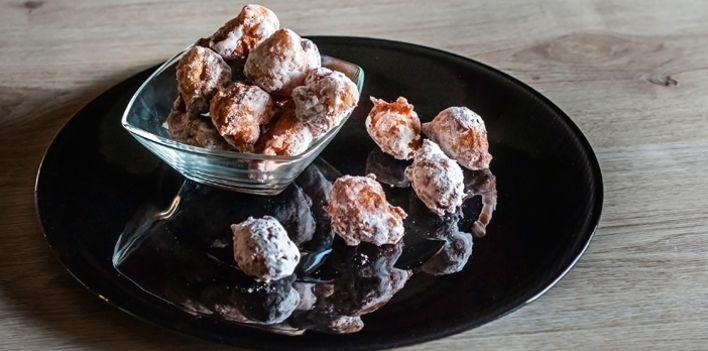 Frittelle di castagne. Per leggere la ricetta: http://mybusiness.bormioliroccocasa.it/mybusiness/it/home/Idee-e-Consigli/happy-hour/frittelle-di-castagne.html