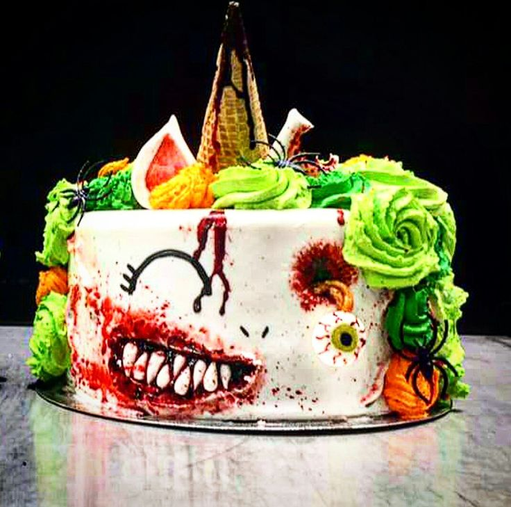 Be ready for halloween unicorn zombie cake. #cakelover #creativity