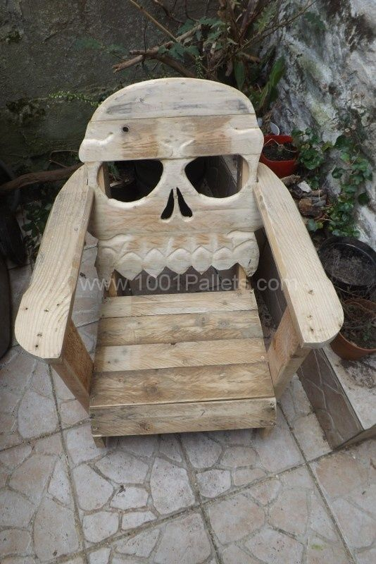fauteuil t te de mort pallet skull chair t te de mort. Black Bedroom Furniture Sets. Home Design Ideas