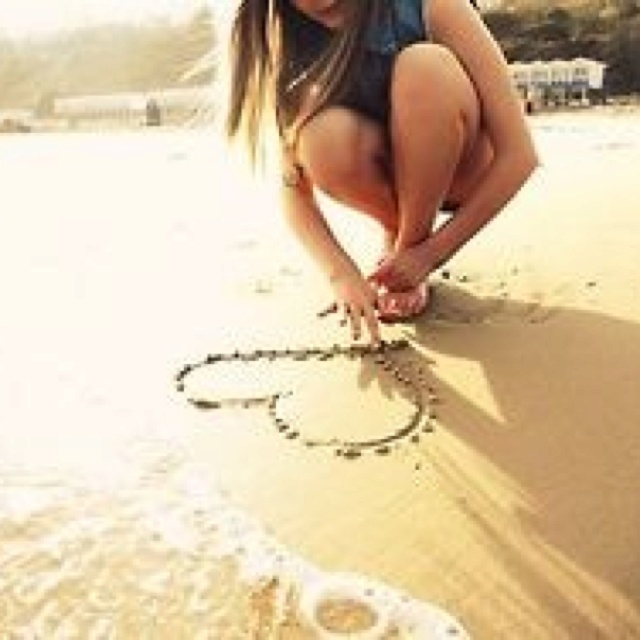 Beach Love-great photo idea.