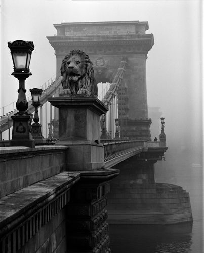 Chain Bridge in Mist.  Landscape photography: being there; waiting; the Moment; recognising it.