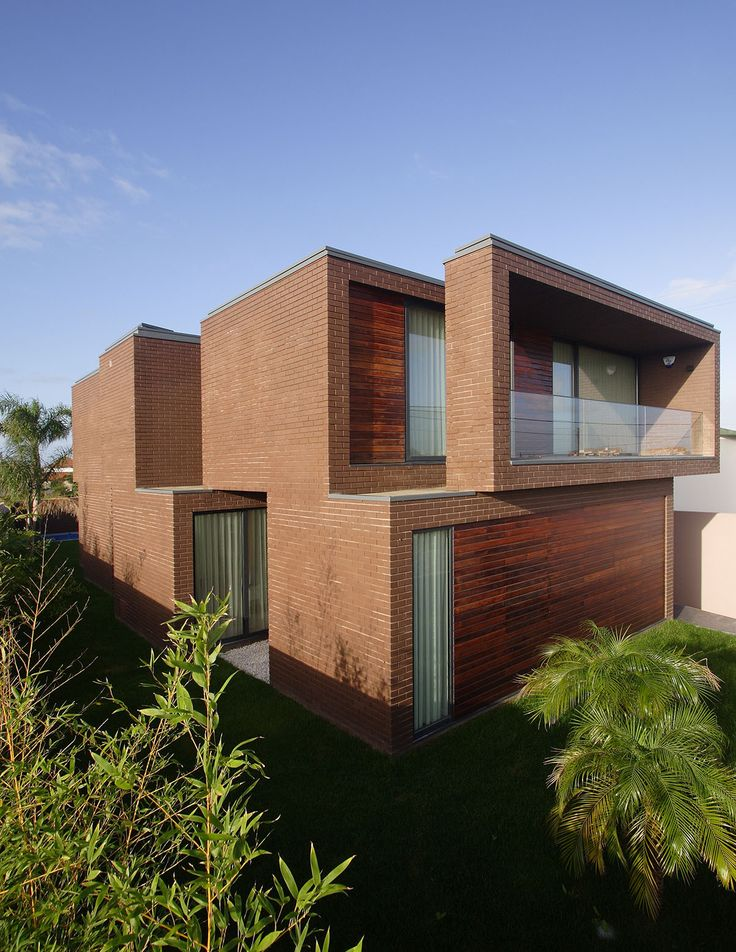 Casa em Agra / RVdM Arquitecto