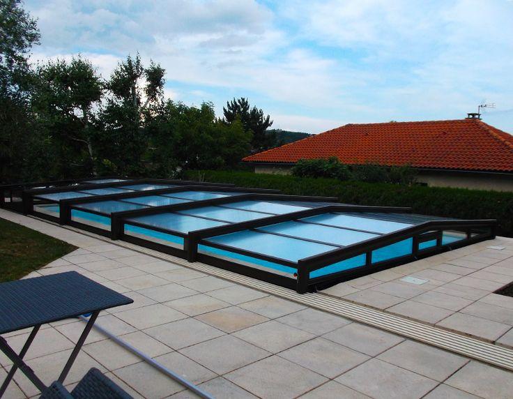 Abri de piscine bas télescopique installé à Villefranche de Rouergue 12 par Octavia #abripiscine #telescopique