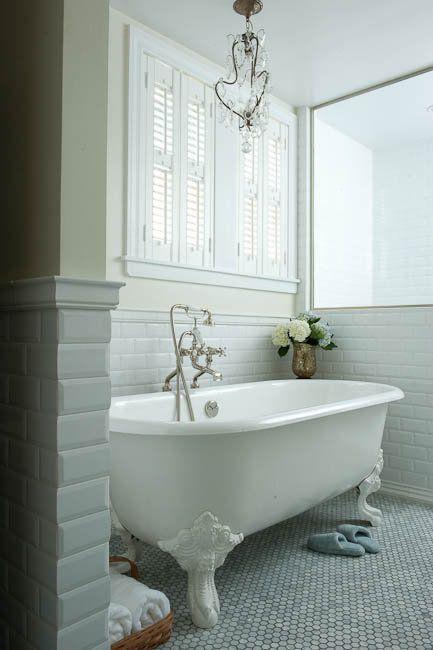Decorating Bathroom with Clawfoot Tub | bathroom paint, yellow bathroom walls, clawfoot tub, vintage clawfoot ... #vintagebathrooms
