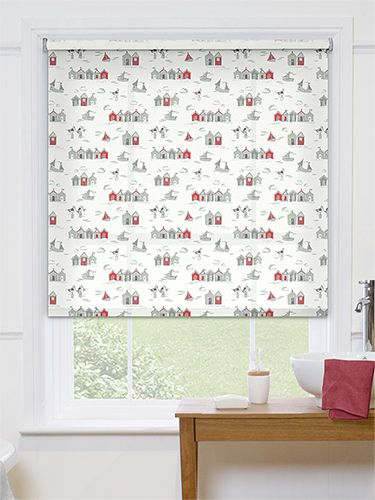 A classic seaside design of rowboats and beach huts, this blind is cute and quirky and features lovely little splashes of colour. #patterned #bathroom #roller #blinds