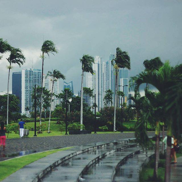 Кто-то может поспорить но нам кажется с погодой в Панама-сити нам повезло!:) #PanamaCity #Panama