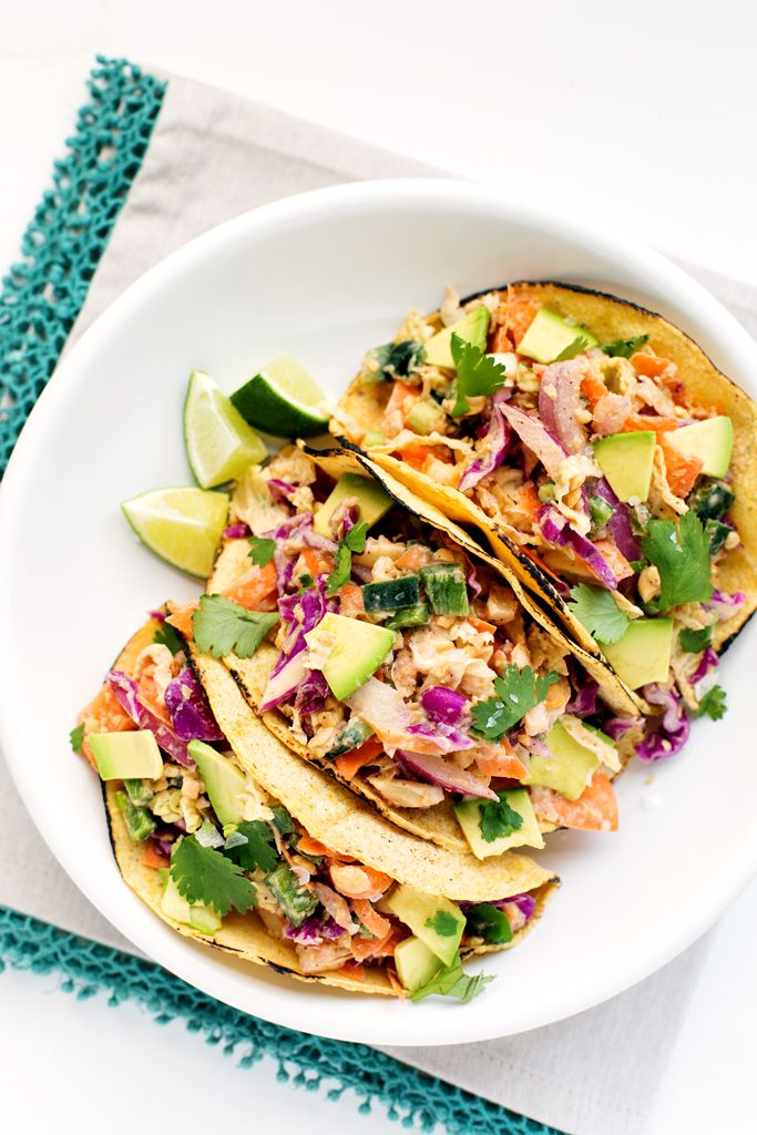 Crunchy Chickpea Tacos | A flavor-packed, meatless alternative to fish tacos!